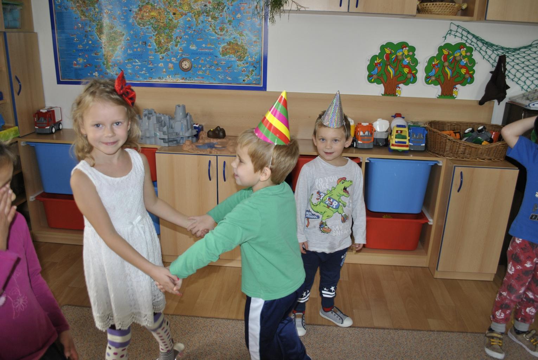 Anetka a Emilka (5).JPG